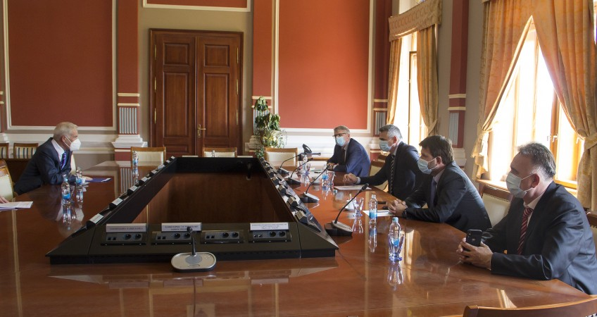 PDHR and Brčko Supervisor Michael Scanlan meets officials of the District Government and Assembly