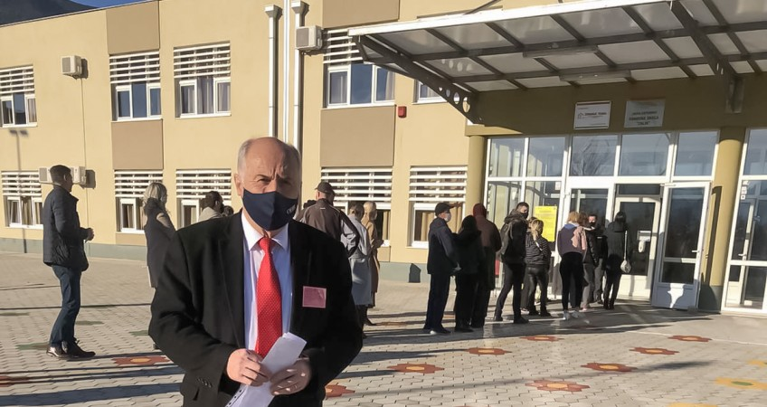 High Representative Inzko visited polling stations in Mostar on Election Day
